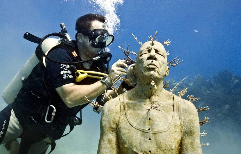 VIDEO. Cannes: Le premier «écomusée sous-marin» de France va devoir attendre
