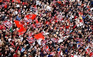 Les supporters du Stade Toulousain sur la place du Capitole le 10 juin 2012, au lendemain de la victoire en finale du Top 14.