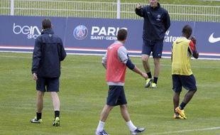 Laurent Blanc dirige l'entraînement du PSG, le 3 juillet 2013 à Clairefontaine.