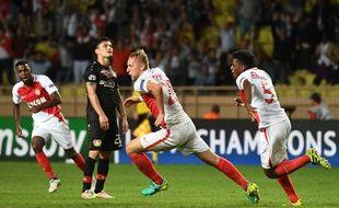 Kamil Glik fête son but contre le Bayer Leverkusen le 27 septembre 2016.