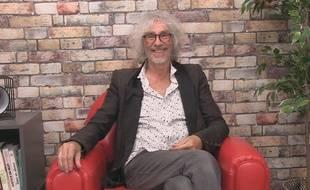 Louis Bertignac répond à nos questions WTF dans le studio de 20 Minutes
