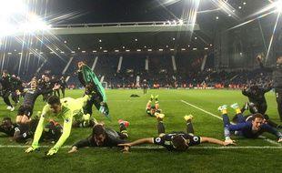Les joueurs de Chelsea fêtent leur nouveau titre