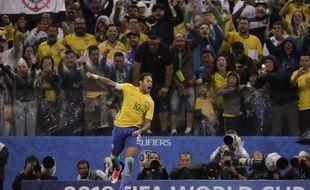 Neymar est aux anges. Le Brésil ira en Russie.