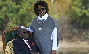 L'ancien président du Zimbabwe Robert Mugabe et son épouse Grace, à Harare le 29 juillet 2018.