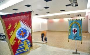Derniers préparatifs, hier, avant l'inauguration de la Maison du maçon, cet après-midi.