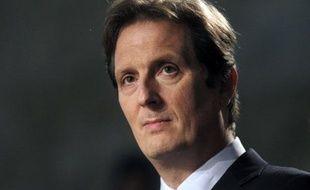 Le député UMP Jérôme Chartier met en cause dans un rapport rendu public jeudi les déplacements du président de la République qui du fait de sa faible utilisation de l'avion présidentiel A330 à la faveur du train renchérit le coût de cet avion.