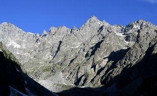 Le massid des Ecrins est  le théâtre de multiples chutes d'alpinistes chaque année.