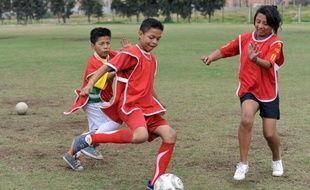 """Au """"football pour la paix"""", les vainqueurs n'ont pas marqué le plus de buts, mais commis le moins de fautes. Au-delà du fair-play, ce sport, lancé en Colombie il y a dix ans, enseigne aux enfants un modèle de vie dans ce pays marqué par la violence."""