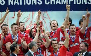 Le comité des Six nations prépare une consultation auprès des participants au Tournoi éponyme sur la possibilité d'introduire un système de points de bonus comme dans les autres compétitions de rugby de la planète, affirme dimanche le quotidien anglais The Observer.