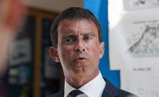Manuel Valls, le 15 août, sur la base aérienne de Hyères, dans le Var.