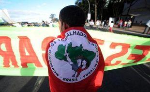 La réforme agraire s'est enlisée en 2013 au Brésil, a critiqué mercredi un porte-parole du Mouvement des sans-terre (MST), qui revendique des parcelles de terrains pour les plus pauvres.