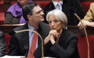 L'économie français a subi un violent coup d'arrêt au quatrième trimestre 2008 avec une baisse de 1,2% de son Produit intérieur brut (PIB), qui a conduit le gouvernement à annoncer une récession pour 2009.
