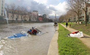 Une péniche avait coulé dans la Vilaine lors des intempéries en février 2014.