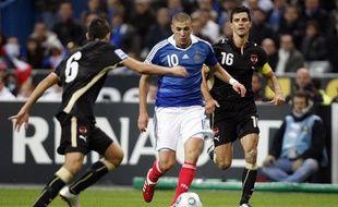 Karim Benzema a marqué le premier but face à l'Autriche le 14 octobre 2009 lors d'un match de qualification pour la coupe du Monde 2010.