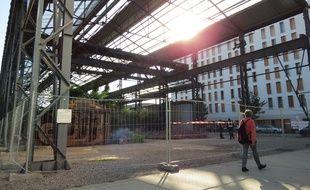 Le jardin des Fonderies est fermé et surveillé par des vigiles.