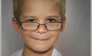 Grâce à des lentilles rigides sur mesure, portées uniquement la nuit, la myopie peut être corrigée pour quelques heures chez les adultes et freinée chez les enfants.