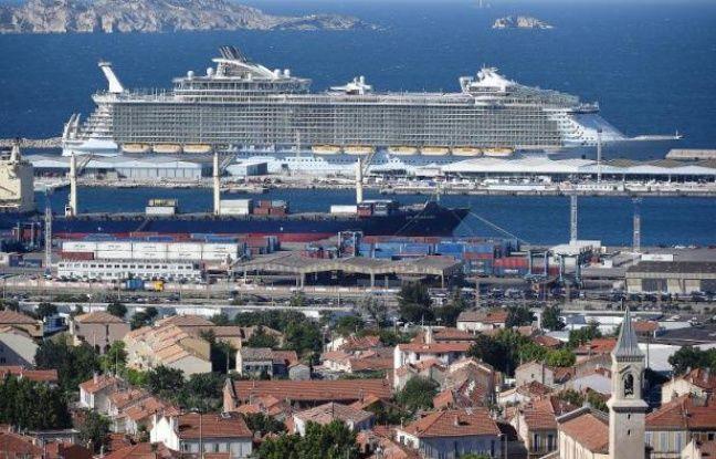 Video le plus gros paquebot du monde en escale marseille - Les plus grand port du monde ...
