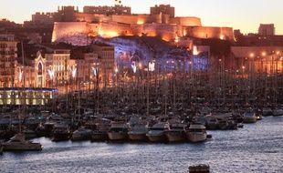 Le fort d'Entrecasteaux de nuit