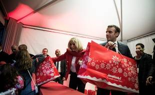 Emmanuel Macron fera-t-il un cadeau aux fonctionnaires ?