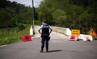 300 gendarmes, appuyés du GIGN, d'équipes cynophiles et notamment de chiens de race Saint-Hubert recherchent depuis 36 heures l'auteur d'un double homicide dans les Cévennes.