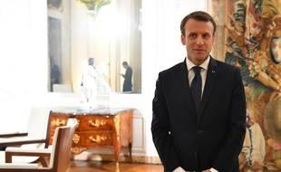 Emmanuel Macron Pense Qu Il Faut Des Substituts A La Figure Du Roi