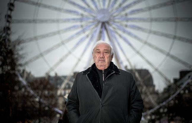 Marcel Campion devant sa grande roue installée aux Tuileries
