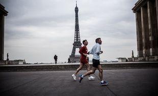 Deux joggers à Paname