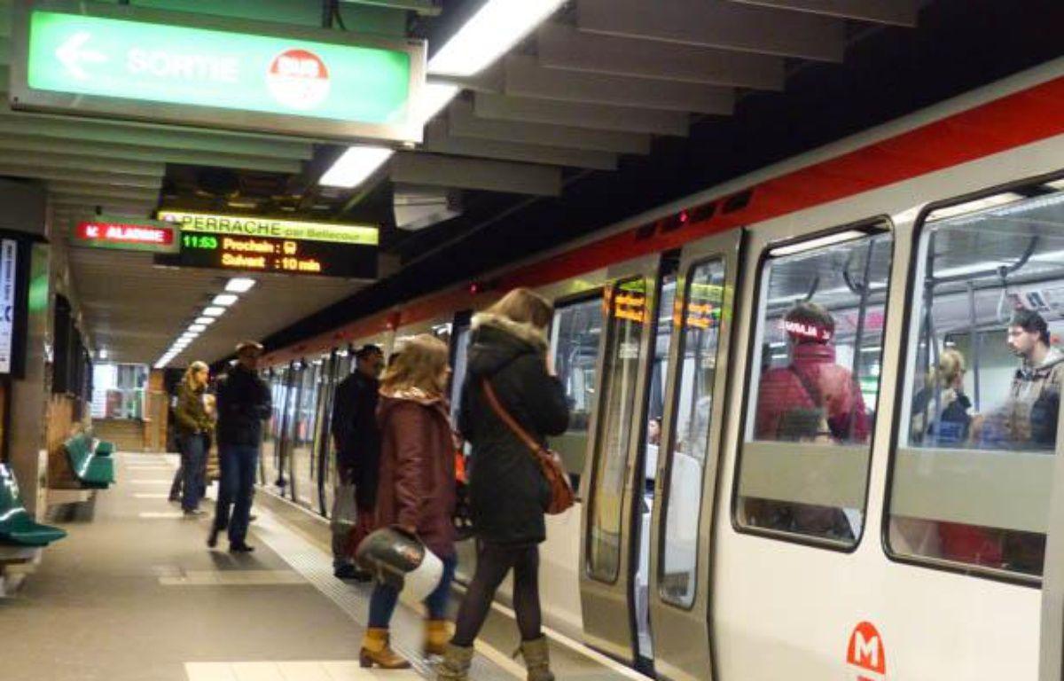 A Lyon, plusieurs candidats à la mairie de Lyon proposent de créer une nouvelle ligne de métro pour améliorer le réseau TCL. – E. Riberry / 20 minutes