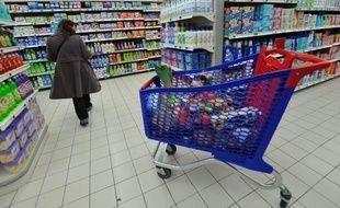 Les Français se montrent opposés, selon deux sondages, à la hausse annoncée par le gouvernement de deux taux sur trois de la TVA pour financer la relance de la compétitivité, mais ils approuvent cette mesure à une courte majorité dans une autre enquête.