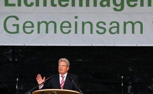 Le président allemand Joachim Gauck a commémoré dimanche à Rostock les émeutes racistes survenues il y a 20 ans dans ce port de la Baltique, les plus graves en Allemagne depuis la fin de la Seconde Guerre mondiale.