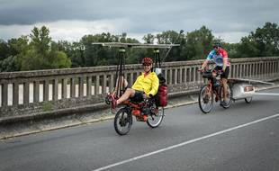 Des participants du Sun Trip 2020, l'été dernier, qui, dans un contexte Covid-19, s'est traduit par un grand tour de France du vélo solaire.
