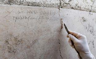 Des archéologues ont découvert mardi 16 octobre des inscriptions attestant d'une éruption en octobre 79.