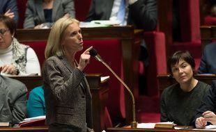 Ségolène Neuville (PS), à l'Assemblée nationale lors des questions au Gouvernement