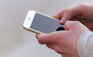 Un utilisateur d'iPhone.