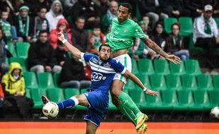 Léo Lacroix est ici à la lutte avec le Bastiais Enzo Crivelli en Ligue 1. JEFF PACHOUD