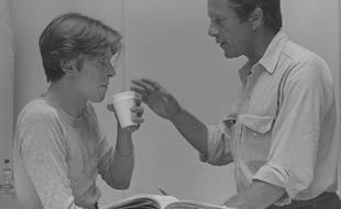 David Bowie et Nicolas Roeg, sur le tournage de «L'homme qui venait d'ailleurs» en 1976.