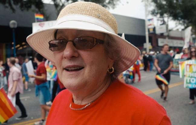 Karen Mason, lors d'une Marche des fiertés LGBT à Los Angeles.