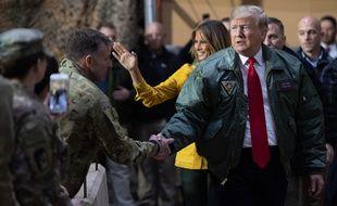 Donald Trump et son épouse Melania se sont rendus en Irak pour rencontrer les troupes américaines.