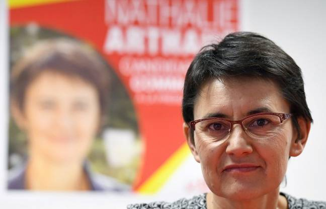 La candidate Lutte ouvrière à l'élection présidentielle Nathalie Arthaud lors d'une conférence de presse à Rennes, le 23 mars 2017.