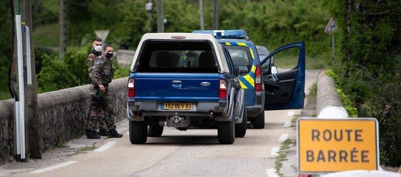 Des gendarmes à proximité de Saumane, dans les Cévennes, jeudi 13 mai 2020 (photo d'illustration)