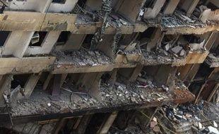 Le bilan de l'attentat qui a frappé jeudi dans la banlieue sud de Beyrouth un bastion du Hezbollah chiite s'est alourdi à 27 morts, a annoncé le ministère de la Santé samedi.