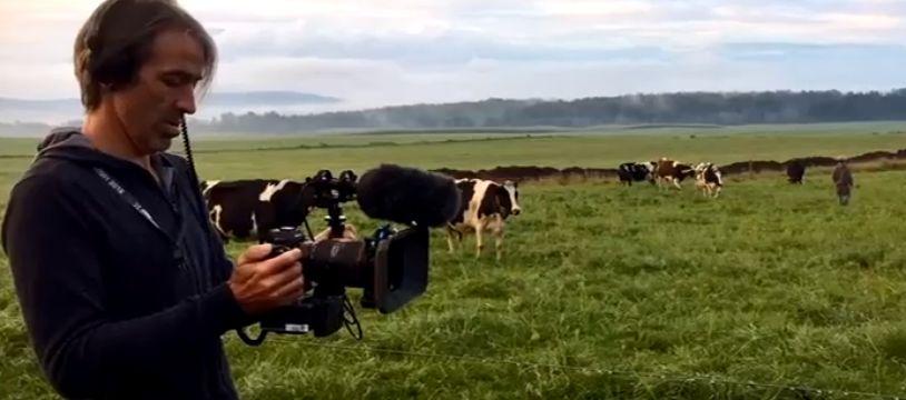Cyrille Blanc lors du tournage du trailer de Food Transition, documentaire sur la malbouffe  réalisé avec sa femme Stéphanie Valloatto.