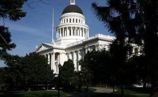 Le Sénat américain a voté mardi soir un projet de loi doté de 410 milliards de dollars supplémentaires pour le budget 2009, en même temps que la levée de restrictions sur les voyages et la vente de médicaments à Cuba.