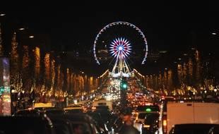 Les illuminations de Noël ont été inaugurées sur les Champs-Élysées à Paris, mercredi 22 novembre 2017. Ilustration.
