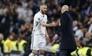 Karim Benzema et Zinédine Zidane lors de Real Madrid-Naples, le 15 février 2017.