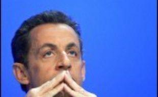 """Nicolas Sarkozy a estimé vendredi que la victoire de Ségolène Royal à la primaire socialiste traduisait """"une aspiration forte(...) au renouvellement de la classe politique"""", exprimant l'espoir d'un """"débat de la modernité"""" avec elle."""