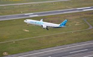 L'A330neo, la version remotorisé de l'A330, a décollé du tarmac de Toulouse-Blagnac le 19 octobre 2017 pour son premier vol d'essai.