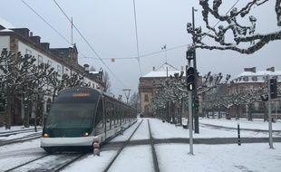 La ville de Strasbourg est recouverte d'un petit manteau blanc ce dimanche matin.