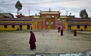 Une nouvelle immolation par le feu a eu lieu dans une zone tibétaine du sud-ouest de la Chine, la troisième en trois jours, ont annoncé des groupes de défense des Tibétains tandis que la sécurité a encore été renforcée à l'approche d'anniversaires sensibles.