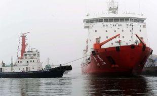 Le brise-glace chinois Xuelong («Dragon des neiges») va être envoyé dans la zone des recherches.